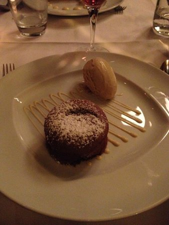 fondant au chocolat with ice cream