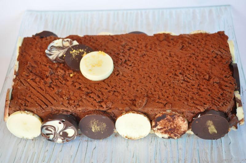 gateau au chocolat decore