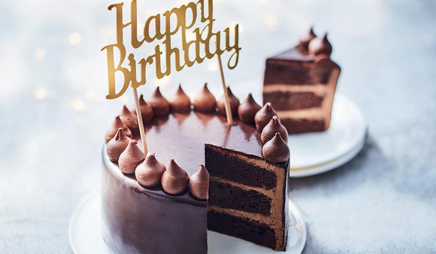 gateau au chocolat joyeux anniversaire