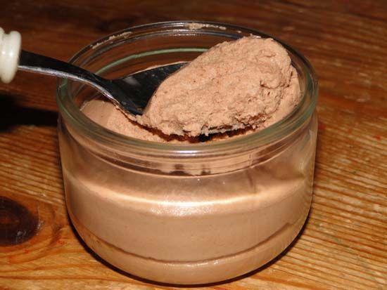 mousse au chocolat a la pralinoise