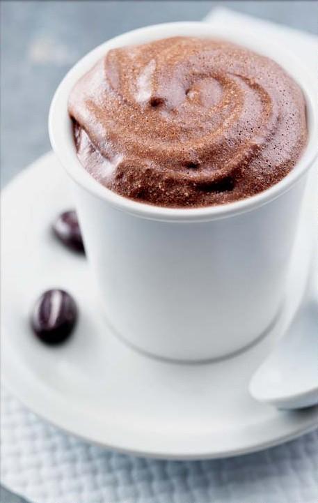 mousse au chocolat avec un peu de cafe
